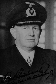 Carl-Friedrich Christiansen (1884-1969), Fregattenkapitän d.R. z.V., Generalinspekteur Seeschiffahrt beim Reichskommissar für die Seeschiffahrt  (Reikosee), Ritterkreuz des KVK mit Schwertern 19.11.1944