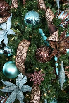 Turquoise ChristmasInspiration - Christmas Decorating - I love this colour combination, maybe add another colour?