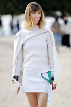 so lovely & so incredibly chic. #AnyaZiourova in Paris.