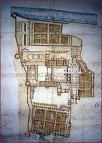Plan de l'abbaye vers 1700 (AD Yonne, H 1033)- 23) 18°-19°s: LAÏCISATION ET RESTRUCTURATION: Au moment de la Révolution, St-Germain est vendue comme bien national et voit sa communauté religieuse démantelée. Au début du 19°s naît un projet d'aménagement de l'ancien espace ecclésial en hôpital. L'avant nef et les 3 1° travées sont démolies en 1811 pour permettre la réalisation d'une esplanade utilisée comme nouvel accès monumental à l'hôpital. Seule la tour St-Jean au S de la façade est…