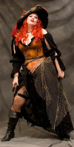 A lot more pirate than Steampunk, but still a cute interpretation Steampunk Pirate, Steampunk Costume, Steampunk Fashion, Gothic Fashion, Pirate Garb, Pirate Wench, Pirate Costumes, Pirate Cosplay, Female Pirate Costume