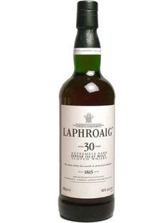 Whisky VII - Laphroaig 30 Jahre - Tasting-Notes: Noten von tropischen Früchte, Meer, Salz, Austern und etwas Torf. Im Mund salzig, Noten von Bitter-Orangen, getrockneten Früchten, Melonen, etwas Teer sowie Seetang. Trotz der leichten Süsse...ein echter Islay-Whisky. Im Ex-Bourbonfass gelagert.