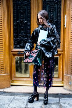 Paris Fashion Week Fall 2017 Street Style Day 1 - The Impression
