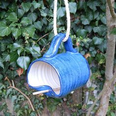 Bird feeder mug, hand thrown in stoneware, fully weatherproof (frostproof) (€19.08)