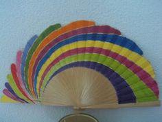 Diseño de Ángeles Alarcon Fan Decoration, Art Decor, Wooden Fan, Hand Held Fan, Hand Fans, Diy Fan, Paper Fans, Pretty Hands, Hot Flashes
