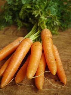 DIY: Carrot facial mask for acne and wrinkles