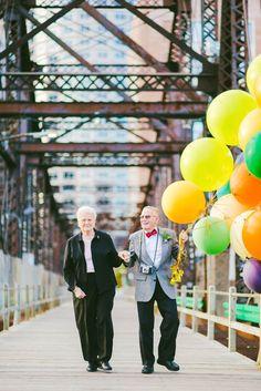 Un couple fête ses 61 ans de mariage avec des photos inspirées par le film UP !