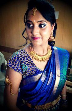 Deep Blue Silk Saree on a South Indian Bride. Reception Look. Blue Silk Saree, Indian Silk Sarees, Green Saree, South Indian Bride, Indian Bridal, Bridal Sarees South Indian, Kerala Bride, Hindu Bride, Cut Work Blouse