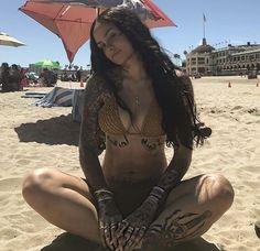 Kehlani and those damn abs Kehlani Tattoo, Chicano, Girl Tattoos, Sexy Tattoos, Kehlani Parrish, Look Festival, Look Boho, Elegantes Outfit, Celebs