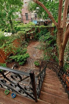 Park Slope 1890's Brownstone | Fig Interior Design, New York  How come my backyard/garden in Park Slope never looked like that when I lived there! :)