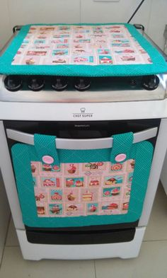 Quilting Projects, Sewing Projects, Fabric Crafts, Sewing Crafts, Home Crafts, Diy And Crafts, Designer Bed Sheets, Lol Dolls, Patch Quilt