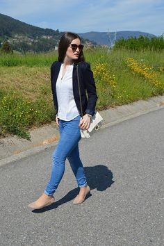 #look #luztieneunblog #2017 #elegante #cita #findesemana #entretiempo #casual #primavera #trendy #clase #compras #diario #chic #verano #sport #skinnyjeans #azul #blue #white #dots #spring #sumer #2017 #blazer #rayadiplomatica #blogger #vigo