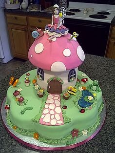 Fairy garden cake... clever use of the flower cake pan as the bottom layer.
