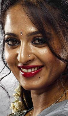 Actress Anushka, Bollywood Actress Hot, Bollywood Girls, Beautiful Bollywood Actress, Beautiful Actresses, Beautiful Girl Indian, Most Beautiful Indian Actress, Beauty Full Girl, Beauty Women