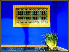 Urbane Zucchini an der Schlafzimmerwand – die neue Dimension von Green Blue Gold, Blue Yellow, Dark Blue, Moroccan Colors, Marrakech Travel, Space Place, Love Blue, French Artists, Color Combos