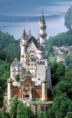 I've been in this Castle. Beautiful: Mad Ludwig's Neuschwanstein Castle was the inspiration for Disneyland's Sleeping Beauty Castle. Beautiful Castles, Beautiful Buildings, Beautiful World, Beautiful Places, Amazing Places, Places To Travel, Places To See, Places Around The World, Around The Worlds