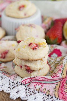 Strawberry-Lemonade Cheesecake Cookies