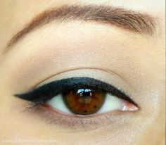 Cat Eyeliner Tutorial for hooded lids