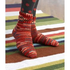 We have shared these 35 Free Crochet Socks Patterns that are all adorable and eye-catching due to amazing design textures! Moreover, these crochet socks Crochet Socks Pattern, Crochet Boots, Crochet Slippers, Crochet Yarn, Crochet Clothes, Free Crochet, Knitting Patterns, Crochet Patterns, Crochet Cozy
