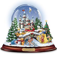 An Old Fashioned Disney Christmas - Musical Snowglobe Showcasing 13 Classic Characters