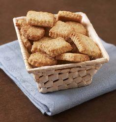 Si vous souhaitez préparer des petits biscuits pour le goûter de vos enfants, ces petits beurres à la farine d'épeautre sont une alternative originale pour changer des traditionnels biscuits de 16h.