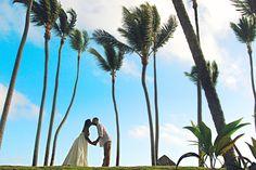 Tropical love. #wedding #photo #ideas