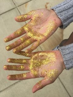 Glitter hands in art class today! Black Girls Rock, Black Girl Magic, White Girls, Lady Bug, Gold Aesthetic, My Black Is Beautiful, Black Power, Mellow Yellow, Sparkles
