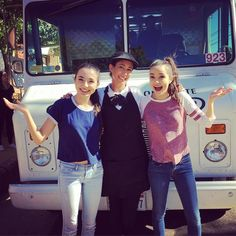 LOVED filming with the @merrelltwins (@vanessamerrell & @veronicamerrell) Can't wait to see our episode of #FoodTruckFanatics on @awesomenesstv!