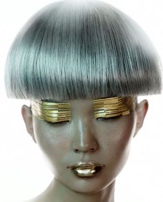 Pale Blue Bowl Cut, and 24kt Gold Stripe Eyeshadow.