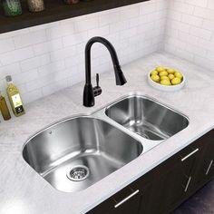 Vigo 31 inch Undermount 70/30 Double Bowl 18 Gauge Stainless Steel Kitchen Sink Bowl Configuration: