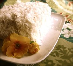 Coconut Cake with Coconut Frosting Made just the frosting with a little extra coconut cream, sugar and salt- dying to dig in Thai Coconut Milk, Cooking With Coconut Milk, Coconut Cream, Coconut Frosting, Coconut Desserts, Thai Dessert, Lactose Free, Gluten Free, Eat Dessert First