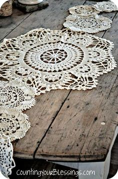 Crochet Doily Table Runner - this is what I want to make! Crochet Doily Table Runner - this is what I want to make! Doily Wedding, Wedding Table, Wedding Reception, Lace Doilies, Crochet Doilies, Shabby, Vintage Accessoires, Love Vintage, Vintage Lace