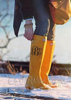 A monogram for Hunter boots?!  Shut the front door! (scheduled via http://www.tailwindapp.com?utm_source=pinterest&utm_medium=twpin&utm_content=post82672547&utm_campaign=scheduler_attribution)