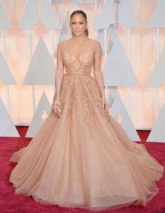 Le tapis rouge des Oscars 2015 Jennifer Lopez en Elie Saab Couture  © Abaca