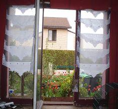 • Leçon n°1: Tout d'abord prennez une vieille fenêtre, de référence par laquelle rentrent chaque année des colonies de moustiques sanguinair...