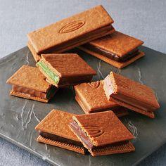 カカオサンド Chocolate Decorations, Chocolate Desserts, Don Perignon, Japan Cake, Cookie Factory, Cookie Recipes, Dessert Recipes, Candy Cookies, Healthy Cake