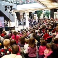 Канят малчугани и родители на забавни артистични недели в столицата