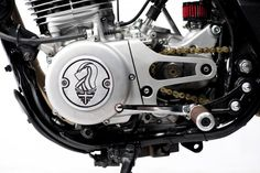 Old Empire Motorcycles are famous for adhering to a classical style and embracing a period in transportation engineering history where the quest. Honda Dominator, Ducati Scrambler, Cb750 Honda, Yamaha Sr400, Iron 883, Honda Shadow, Goodwood Revival, Ducati Monster, Moto Guzzi