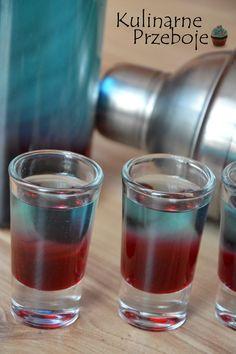 Shot Smerfetka, Shot z likierem blue Curacao, szybkie shoty na imprezę, alkohole na imprezę, alkohole na Sylwestra, Shot na Sylwestra, niebieski shot. Cocktail Recipes, Cocktails, Alcoholic Drinks, Beverages, Keto Recipes, Cooking Recipes, Blue Curacao, Smoothie Drinks, Keto Diet For Beginners