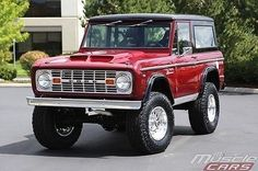 Who wouldn't want this badass, 1967 Ford Bronco 5 Speed - Old Ford Trucks, Ford 4x4, Jeep Truck, Pickup Trucks, Classic Bronco, Classic Ford Broncos, Classic Trucks, Classic Cars, Old Ford Bronco