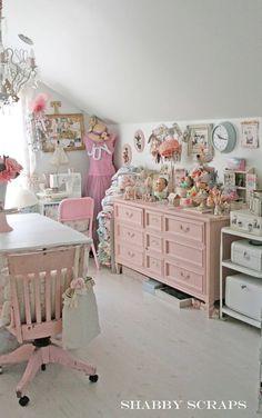 Shabby Chic Interiors: { Shabby Scraps }