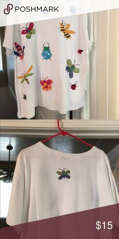 Top Bechemel knit top in white with embroidered insects. Very cute and in excellent condition Bechemel Tops Tees - Short Sleeve