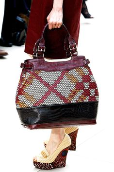 Burberry Spring 2012 Ready-to-Wear Collection Photos - Vogue