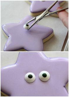 Simple Dora Star Cookies – The Sweet Adventures of Sugar Belle Star Cookies, Cute Cookies, Royal Icing Cookies, Dora Cake, Cookie Tutorials, Dora The Explorer, Cookie Designs, Birthday Cookies, Dora Birthday Cake