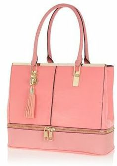 4229ca28cc Bag yourself some arm candy with our new season collection of women s bags  and purses.