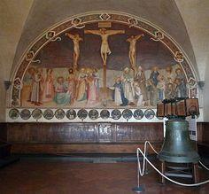 Convent of San Marco - Florence. Фра Анджелико. РАСПЯТИЕ (1441-42). Фра Анджелико был тронут до слёз, когда писал эту сцену в Зале Капитула.