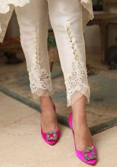 Fashion Pants, Look Fashion, Indian Fashion, Fashion Outfits, Plazzo Pants, Salwar Pants, Salwar Designs, Blouse Designs, Moda Outfits
