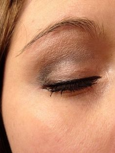Easy Photo Tutorial for Date-Worthy Smokey Eyes