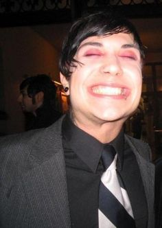 When Frank smiles, I smile | Community Post: 14 Times Frank Iero Was Damn Adorable
