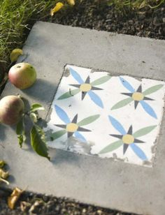 Make square paver with a tile insert Diy Art, Gazebo On Deck, Concrete Projects, Diy Concrete, Beton Diy, Decoration Inspiration, Garden Buildings, Art Design, Gardening Tips